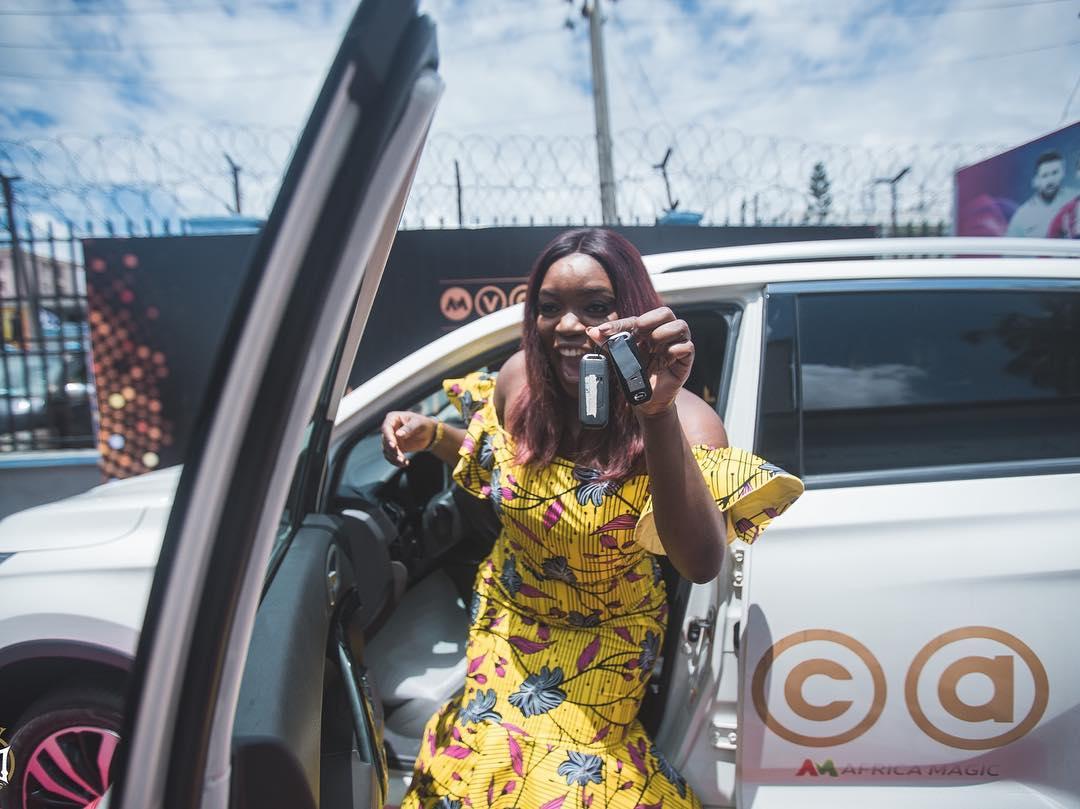 Bisola Aiyeola picks up her #AMVCA2018 Trailblazer Car Prize!